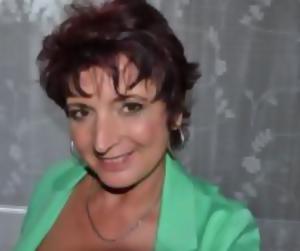 Geile Hausfrau sucht Freizeitvergnügen mit Sextreff - Milf